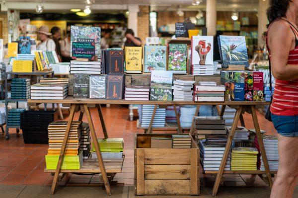 Pourquoi des auteurs édités traditionnellement choisissent-ils l'auto-édition ?