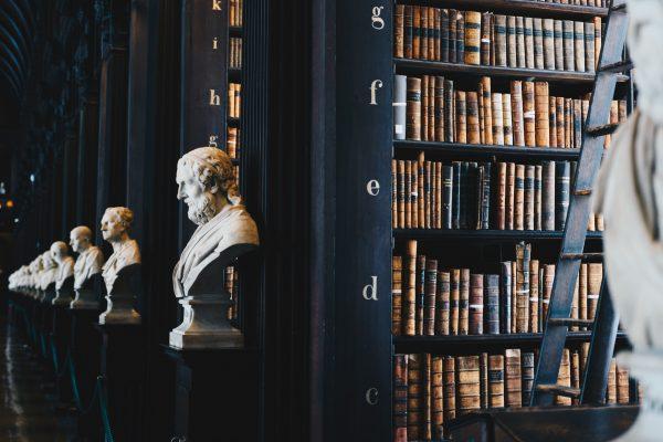 Roman, biographie, policier : quels sont les livres les plus populaires ?