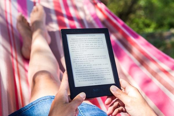 Cinq idées reçues sur le livre numérique