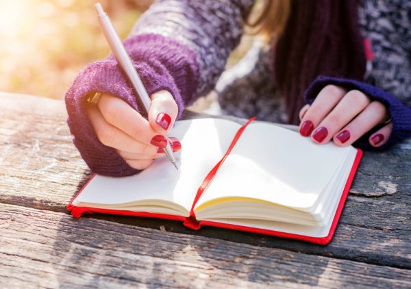 Doit-on dire écrivain ou écrivaine, auteur ou autrice ?